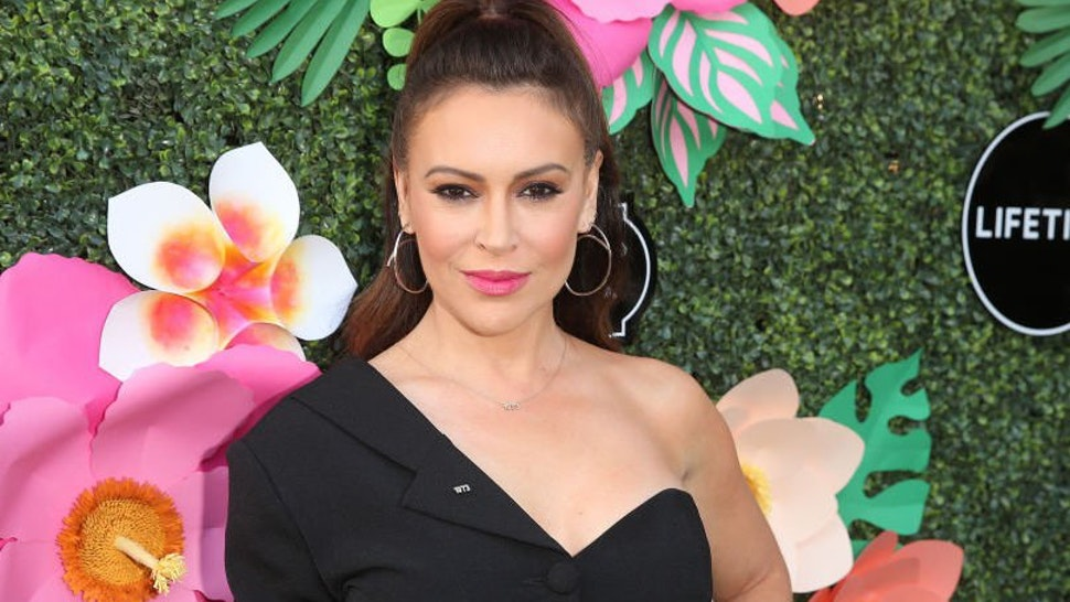 Alyssa Milano attends the Lifetime Summer Luau on May 20, 2019 in Los Angeles, California.
