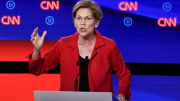 Democratic presidential hopeful US Senator from Massachusetts Elizabeth Warren participates in the first round of the second Democratic primary debate of the 2020 presidential campaign season hosted by CNN at the Fox Theatre in Detroit, Michigan on July 30, 2019. (Photo by Brendan Smialowski / AFP) / ALTERNATIVE CROP (Photo credit should read BRENDAN SMIALOWSKI/AFP/Getty Images)