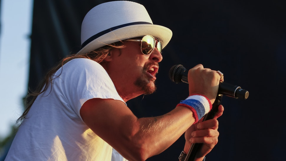 INDIANAPOLIS, IN - JUL 23: Kid Rock performs at the Indianapolis Motor Speedway on July 23, 2016 in Indianapolis, Indiana.