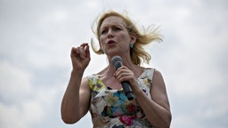 Senator Kirsten Gillibrand, a Democrat from New York and 2020 presidential candidate, speaks at the Des Moines Register Soapbox during the Iowa State Fair in Des Moines, Iowa, U.S., on Saturday, Aug. 10, 2019. The 2020 Democratic field is gathering in Iowa for the showcase Iowa State Fair, a chance for candidates to meet with voters in the first primary contest of the presidential campaign -- and eat fattening food and view butter sculptures.