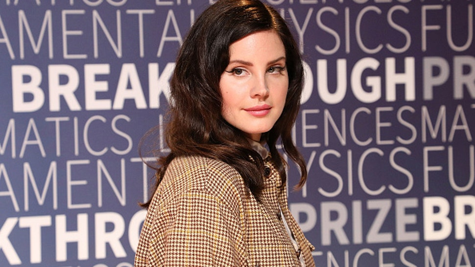 MOUNTAIN VIEW, CA - NOVEMBER 04: Lana Del Rey attends the 7th Annual Breakthrough Prize Ceremony at NASA Ames Research Center on November 4, 2018 in Mountain View, California