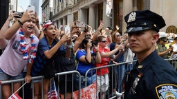 Police Officer BL-WC-2019-USA-WOMEN-PARADE