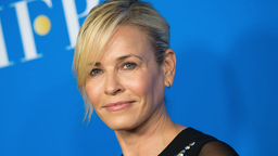 Comedian Chelsea Handler attends The Hollywood Foreign Press Association's Annual Grants Banquet on August 2, 2017 in Beverly Hills, California. / AFP PHOTO / VALERIE MACON