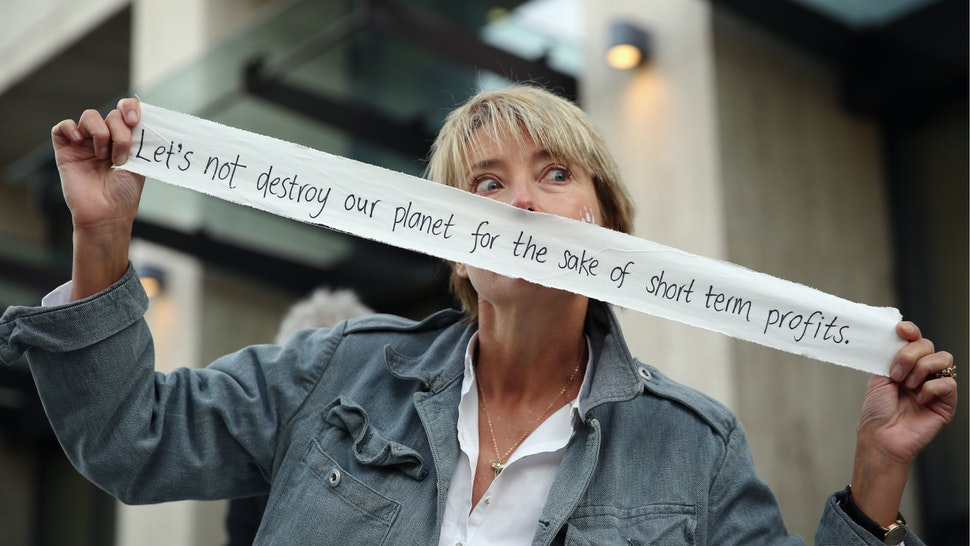 Actress Emma Thomson joins Greenpeace climate change activists outside the Shell building on September 29, 2015 in London, England.