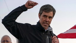 """Former Texas Congressman Beto O'Rourke speaks to a crowd of marchers during the anti-Trump """"March for Truth"""" in El Paso, Texas, on February 11, 2019."""