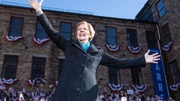 LAWRENCE, MA - FEBRUARY 09: Sen. Elizabeth Warren (D-MA), announces her official bid for President on February 9, 2019 in Lawrence, Massachusetts. Warren announced today that she was launching her 2020 presidential campaign. (Photo by Scott