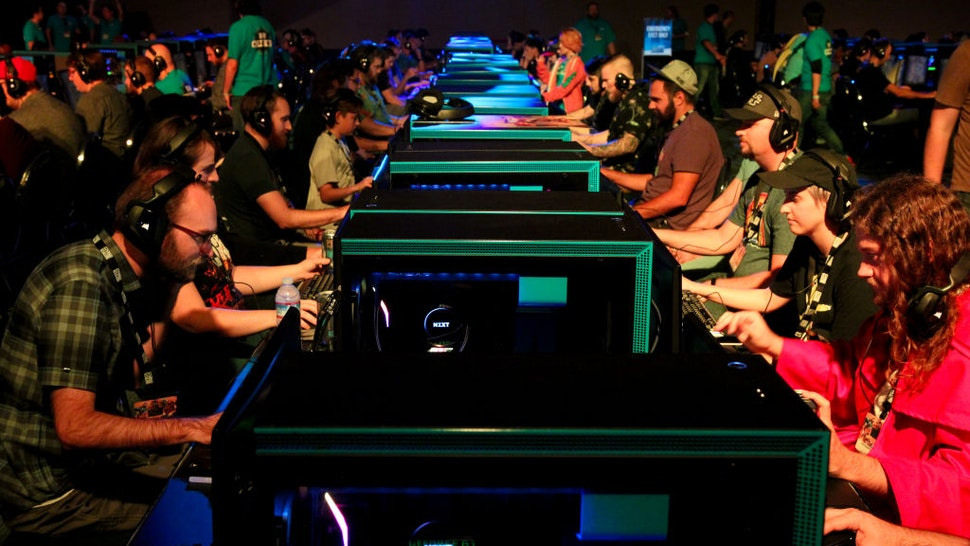 BlizzCon attendees playing Hearthstone.