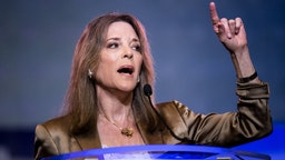 Marianne Williamson addresses the crowd at the 2019 South Carolina Democratic Party State Convention