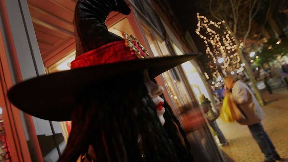 A Halloween costume is seen on a mannequin in the main pedestrian mall in a town where, back in 1692 witch trials took place, October 27, 2005 in Salem, Massachusetts. Thousands of tourists come to attend the large Halloween festival. (Photo by Joe Raedle/Getty Images)