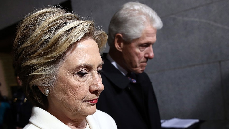 Former Democratic presidential nominee Hillary Clinton (L) and former President Bill Clinton arrive on the West Front of the U.S. Capitol on January 20, 2017 in Washington, DC. In today's inauguration ceremony Donald J. Trump becomes the 45th president of the United States. (Photo by Win McNamee/Getty Images)