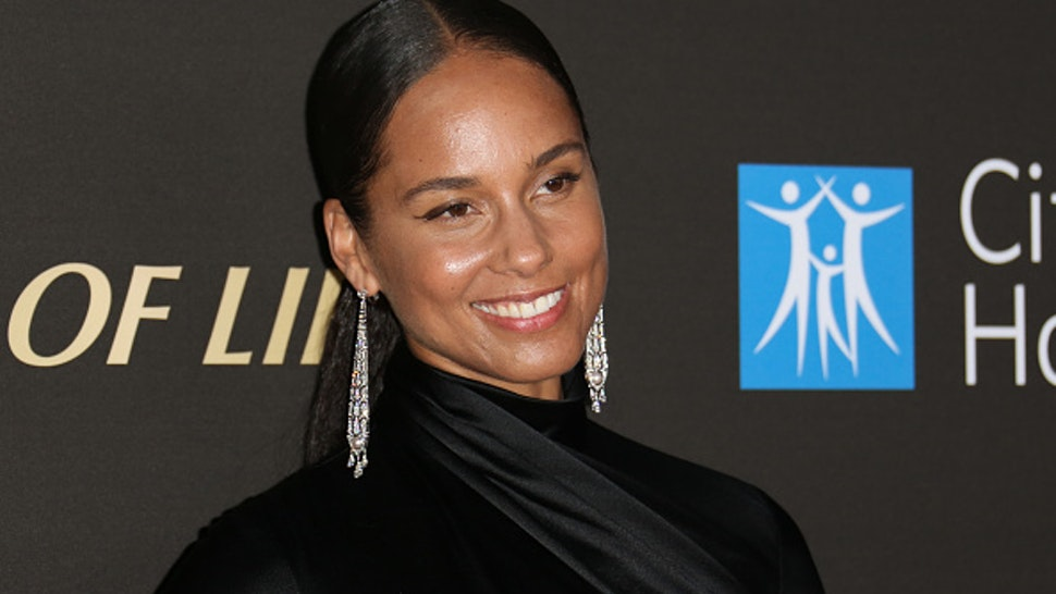 SANTA MONICA, CALIFORNIA - OCTOBER 10: Alicia Keys attends the City Of Hope's Spirit Of Life 2019 Gala at The Barker Hanger on October 10, 2019 in Santa Monica, California.
