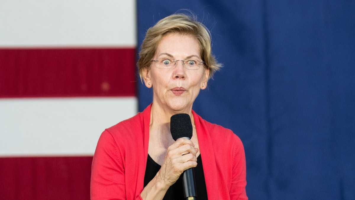Elizabeth Warren Echoes Hillary Clinton, Implies That Critics Are 'Sexist'