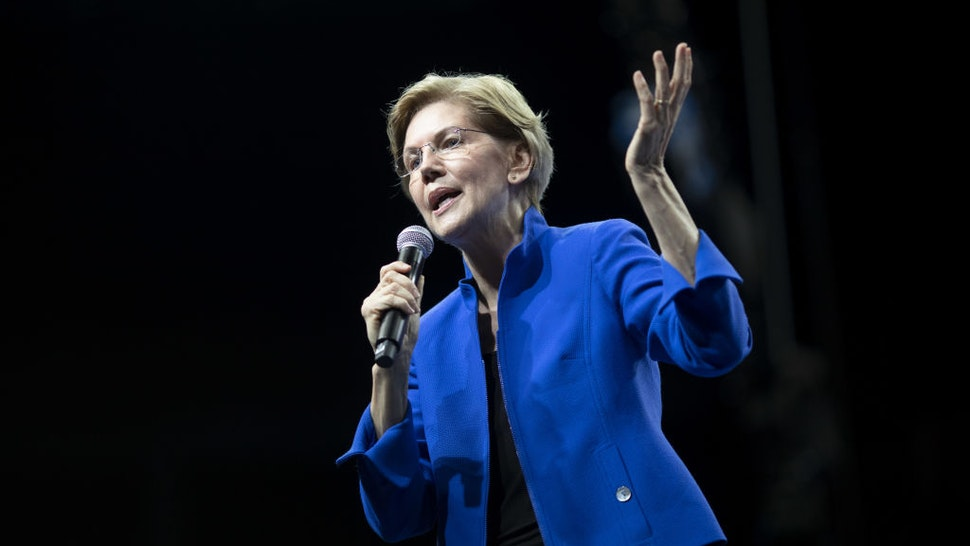Senator Elizabeth Warren, a Democrat from Massachusetts and 2020 presidential candidate, speaks during the Iowa Democratic Party Liberty & Justice Dinner in Des Moines, Iowa, U.S., on Friday, Nov. 1, 2019.