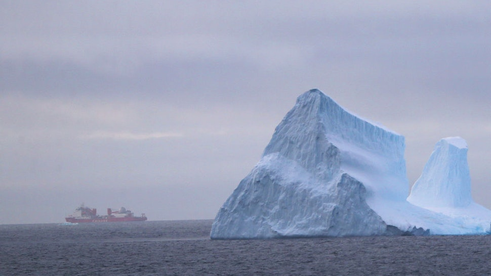 Photo taken on Nov. 16, 2019 shows icebergs in the Southern Ocean. China's first domestically made polar icebreaker Xuelong 2 entered a floating ice area in the Southern Ocean on Friday during its maiden voyage for the country's 36th Antarctic expedition.