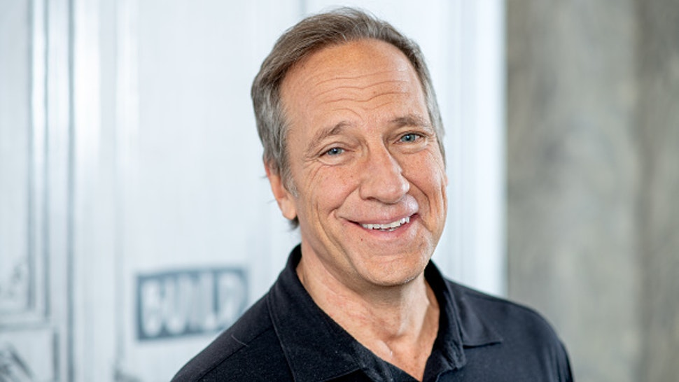 """NEW YORK, NEW YORK - FEBRUARY 05: Mike Rowe discusses """"Returning the Favor"""" with the Build Series at Build Studio on February 05, 2019 in New York City."""