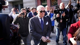 Former advisor to U.S. President Donald Trump, Roger Stone, leaves the E. Barrett Prettyman United States Courthouse after being found guilty of obstructing a congressional investigation into Russia's interference in the 2016 election on November 15, 2019 in Washington, DC. Stone faced seven felony charges and was found guilty on all counts. (Photo by Win McNamee/Getty Images)