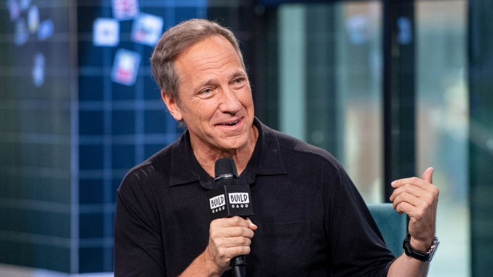 "NEW YORK, NEW YORK - FEBRUARY 05: Mike Rowe discusses ""Returning the Favor"" with the Build Series at Build Studio on February 05, 2019 in New York City. (Photo by Roy Rochlin/Getty Images)"