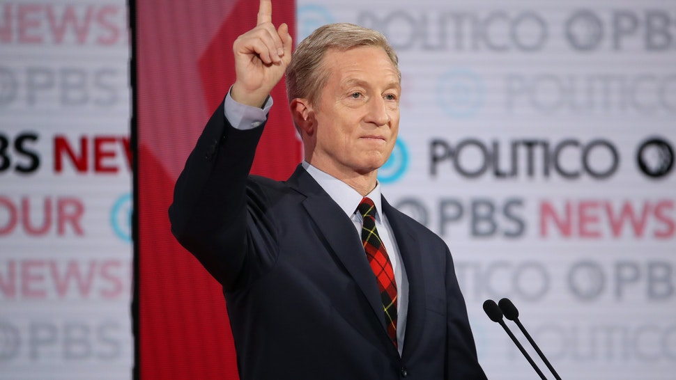 LOS ANGELES, CALIFORNIA - DECEMBER 19: Democratic presidential candidate Tom Steyer gestures during the Democratic presidential primary debate at Loyola Marymount University on December 19, 2019 in Los Angeles, California. Seven candidates out of the crowded field qualified for the 6th and last Democratic presidential primary debate of 2019 hosted by PBS NewsHour and Politico. (Photo by Justin Sullivan/Getty Images)