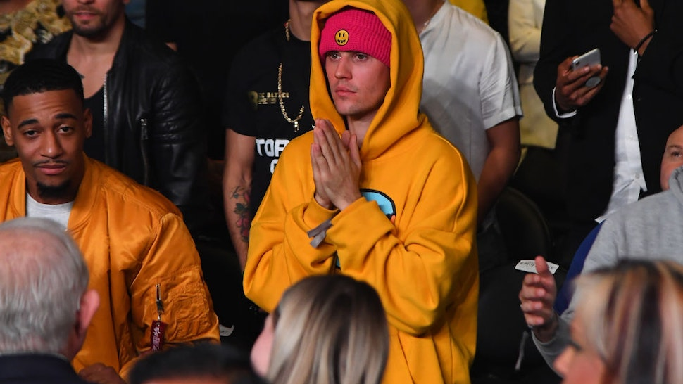 Justin Bieber attends the fight between KSI and Logan Paul at Staples Center on November 9, 2019 in Los Angeles, California.