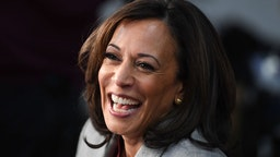 Democratic presidential hopeful California Senator Kamala Harris speaks to the press in the Spin Room after participating in the fifth Democratic primary debate of the 2020 presidential campaign season co-hosted by MSNBC and The Washington Post at Tyler Perry Studios in Atlanta, Georgia on November 20, 2019. (Photo by SAUL LOEB / AFP)
