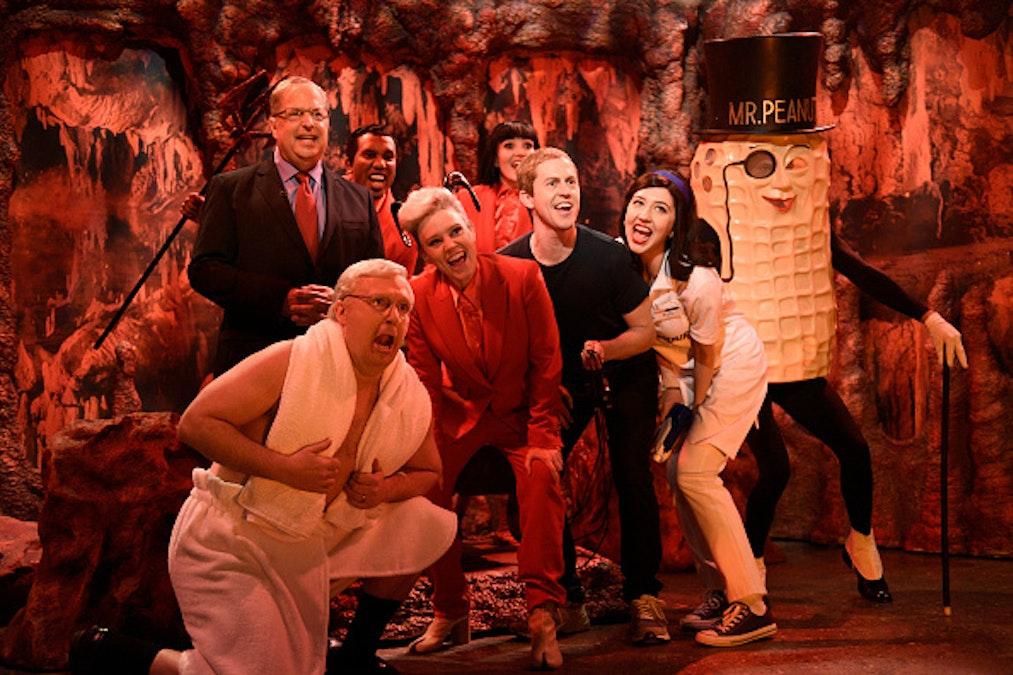 SNL: Trump Attorney Alan Dershowitz Goes To Hell, Weekend Update Trolls 'White Male Rage' In Movies