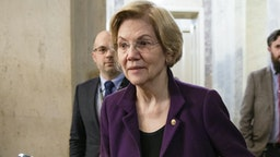 WASHINGTON, DC - JANUARY 29: Sen. Elizabeth Warren (D-MA) leaves the U.S. Capitol after the Senate impeachment trial of President Donald Trump was adjourned for the day on January 29, 2020 in Washington, DC. Today the trial entered the phase where senators had the opportunity to submit written questions to the House managers and President Trump's defense team.