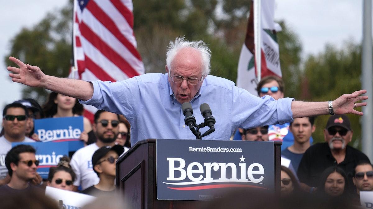 Bernie's Pro-Castro Remarks Backfire: 'Sound Of Bernie's Latino Voter Wave Crashing'