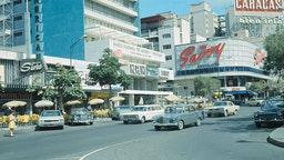 Caracas, Venezuela: Sabana Grande, Caracas' plush shopping district, is dotted with sidewalk cafes, showing the influence of half a million Spanish and Italian residents here.