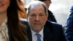 Harvey Weinstein, former co-chairman of the Weinstein Co., center, arrives at state supreme court in New York, U.S., on Monday, Feb. 24, 2020. Jurors at Weinstein's trial are set to resume deliberations Monday after signaling they are at odds on the top charges, AP reports. Photographer: Peter Foley/Bloomberg
