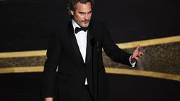 HOLLYWOOD, CALIFORNIA - FEBRUARY 09: Joaquin Phoenix accepts the Actor In A Leading Role award for 'Joker' onstage during the 92nd Annual Academy Awards at Dolby Theatre on February 09, 2020 in Hollywood, California.