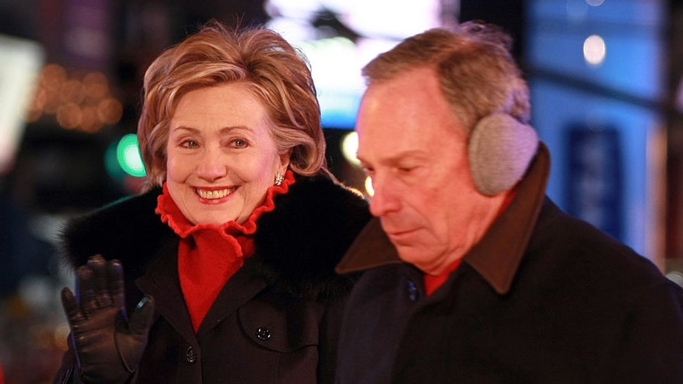"""NEW YORK - DECEMBER 31: Hillary Clinton attends """"New Year's Eve with Carson Daly"""" in Times Square on December 31, 2008 in New York City. (Photo by"""