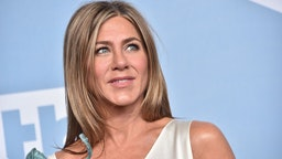 Jennifer Aniston, winner of Outstanding Performance by a Female Actor in a Drama Series for 'The Morning Show', poses in the press room during the 26th Annual Screen ActorsGuild Awards at The Shrine Auditorium on January 19, 2020 in Los Angeles, California.
