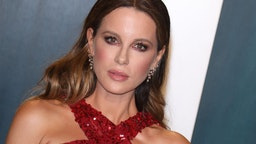 Kate Beckinsale attends the 2020 Vanity Fair Oscar Party at Wallis Annenberg Center for the Performing Arts on February 09, 2020 in Beverly Hills, California.