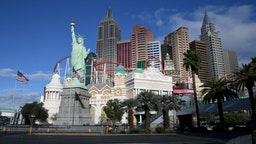 LAS VEGAS, NEVADA - MARCH 17: An exterior view shows the New York-New York Hotel & Casino after the Las Vegas Strip resort was closed as the coronavirus continues to spread across the United States on March 17, 2020 in Las Vegas, Nevada. MGM Resorts International, which owns the New York-New York, suspended operations at all of its Las Vegas properties until further notice to combat the spread of the virus. The World Health Organization declared the coronavirus (COVID-19) a global pandemic on March 11th. (Photo by Ethan Miller/Getty Images)