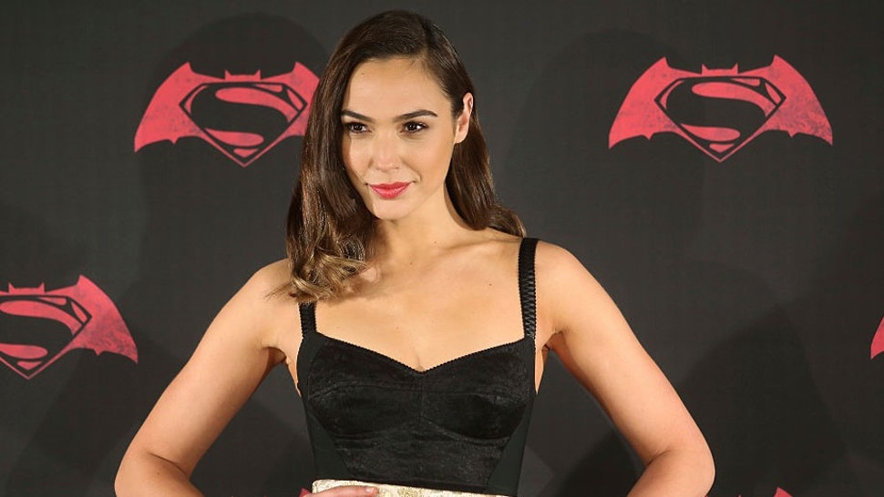 MEXICO CITY, MEXICO - MARCH 19: Israeli actress Gal Gadot poses for pictures during the Batman v Superman Movie photocall at St Regis Hotel on March 19, 2016 in Mexico City, Mexico. (Photo by