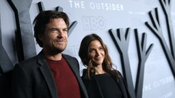 "Actor/Director Jason Bateman (L) and Amanda Anka attend the premiere of HBO's ""The Outsider"" at DGA Theater on January 09, 2020 in Los Angeles, California."
