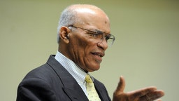 Rev. Dr. Alvin Gwynn, Sr., president of the Interdenominational Ministerial Alliance of Baltimore, in April 2015. (Kim Hairston/Baltimore Sun/TNS)