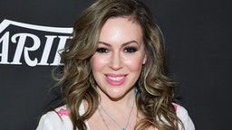 LOS ANGELES, CALIFORNIA - JANUARY 15: Alyssa Milano attends Sean Penn, Bryan Lourd and Vivi Nevo Host 10th Anniversary Gala Benefiting CORE at Wiltern Theatre on January 15, 2020 in Los Angeles, California.