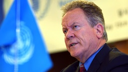 David Beasley, the United Nations World Food Programme (WFP) Executive Director, speaks during a press conference in Seoul on May 15, 2018 after his recent visit to North Korea. - North Korea is falling short of allowing proper access and monitoring for international aid, the head of the UN's World Food Programme said on May 15 following a four-day visit to the country.