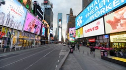 A view of Times Square hours ahead of the implementation of 'New York State on PAUSE' executive order as the coronavirus continues to spread across the United States on March 22, 2020 in New York City.
