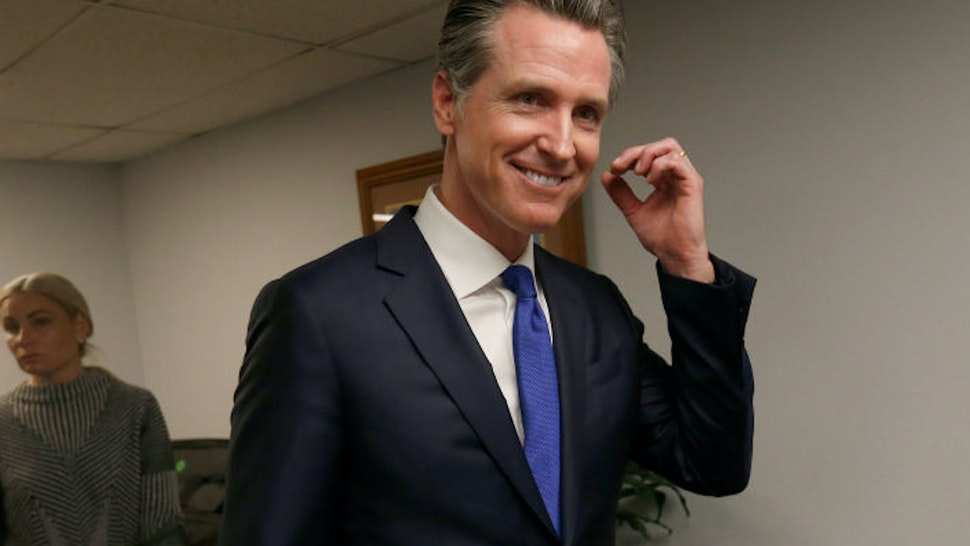 OAKLAND, CA - MAY 21: California Governor Gavin Newsom departs after a press conference at the Henry Robinson Multi-Service Center in Oakland, Calif., on Tuesday, May 21, 2019. Newsom announced the formation of the Homeless & Supportive Housing Advisory Task Force and has pledged $1billion of the state budget to fight homelessness.