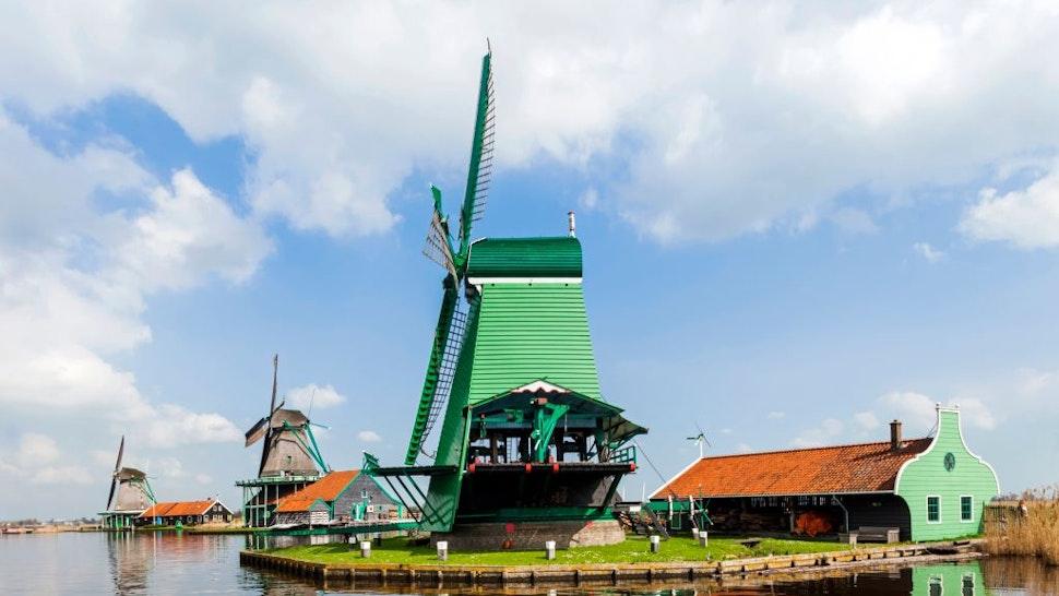 Europe, Netherlands, Zaandam, Zaanse Schans, Windmills
