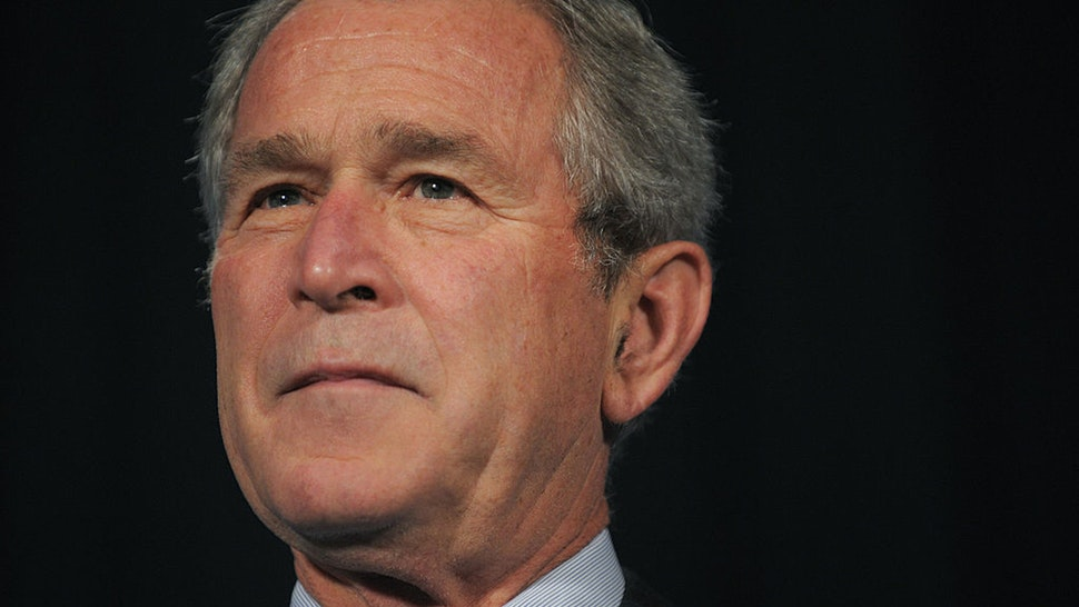 """US President George W. Bush speaks on the economy October 17, 2008 at the US Chamber of Commerce in Washington, DC. President Bush said that his successor must make reforms of financial regulations """"a top priority"""" while guarding against steps that could hurt the US economy. AFP PHOTO/Mandel NGAN"""