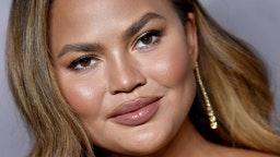 Chrissy Teigen attends the 2019 Baby2Baby Gala Presented By Paul Mitchell at 3LABS on November 09, 2019 in Culver City, California.
