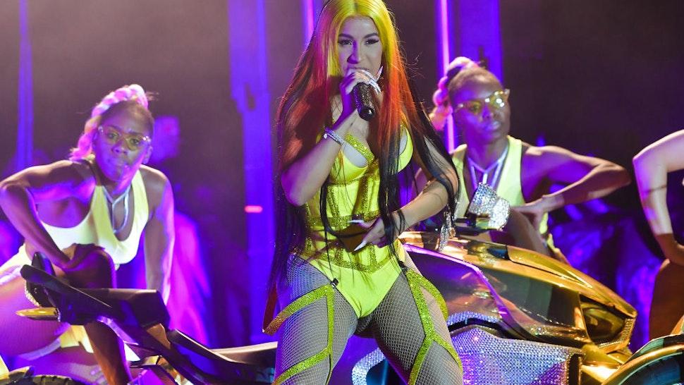 Cardi B performs at Vewtopia Music Festival 2020 - Day 2 at Miami Gardens Park on February 1, 2020 in Miami Gardens, Florida.