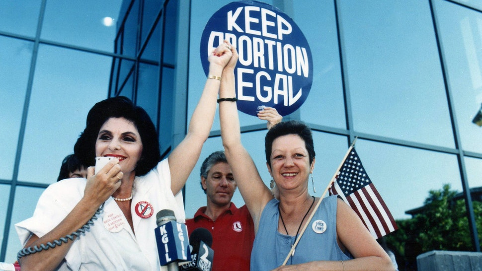 BURBANK, CA - JULY 4 : Attorney Gloria Allred and Norma McCorvey (R),'Jane Roe' plaintiff from Landmark court case Roe vs. Wade during Pro Choice Rally, July 4, 1989 in Burbank, California. (Photo by Bob Riha, Jr./Getty Images)