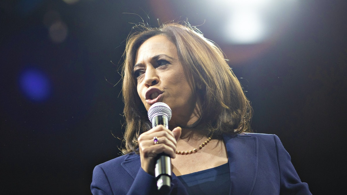 Democrat Kamala Harris Introduces Resolution That Promotes Chinese Communist Propaganda Talking Point About Coronavirus