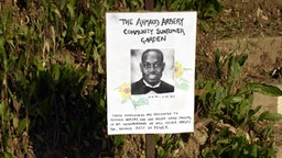 LOS ANGELES, CALIFORNIA - MAY 10: A sign dedicates a sunflower garden to the memory of Ahmaud Arbery at Echo Park during the coronavirus pandemic on May 10, 2020 in Los Angeles, California. COVID-19 has spread to most countries around the world, claiming over 283,000 lives and infecting more than 4.1 million people. (Photo by