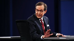 Fox News anchor and moderator Chris Wallace speaks to the guests and attendees during the third U.S. presidential debate at the Thomas & Mack Center on October 19, 2016 in Las Vegas, Nevada.