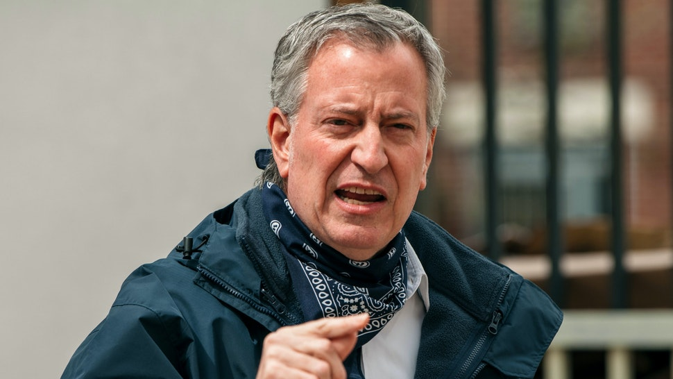 'I Don't Think There's A Similarity': Bill de Blasio Defends Keeping NYC Restaurants Shut Despite Opening Schools